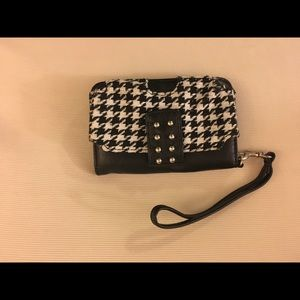 Wristlet with phone compartment