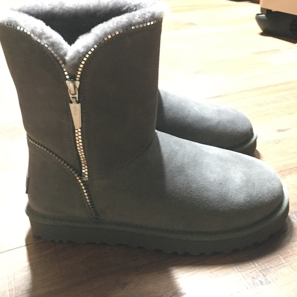 Grey Florence zipper detail ugg boots