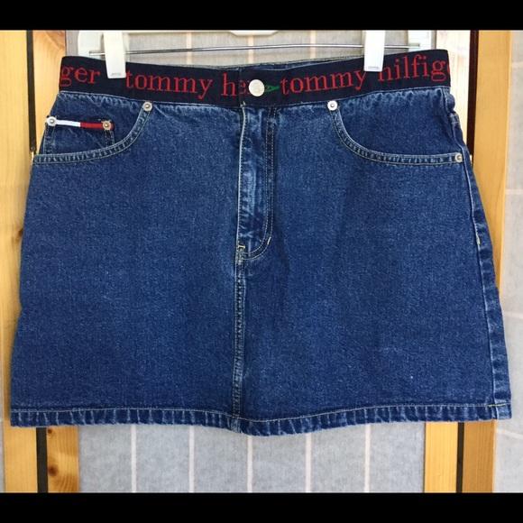 cc02d313988 90s Tommy Hilfiger Denim Mini Skirt- Vintage. M 57f9f4a6f092824c99018171