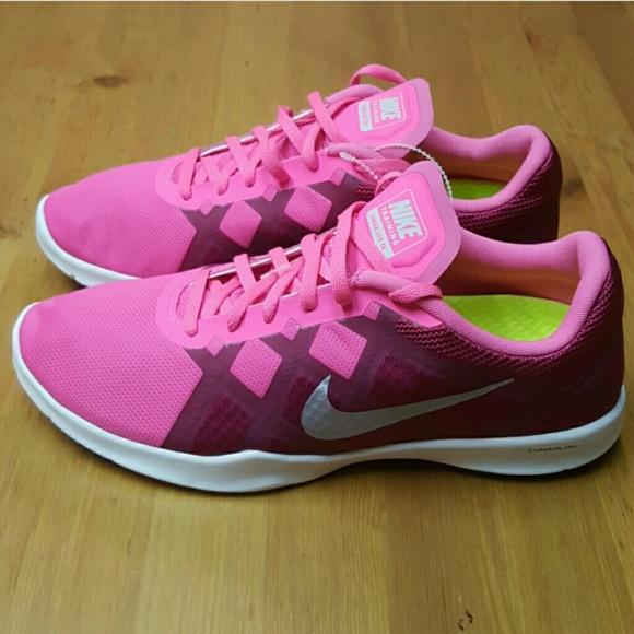 best service d2419 0756e Nike Shoes - NIKE LUNAR LUX TR - WOMENS Size 10
