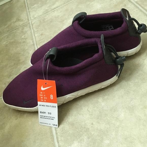 Nike Air Moc Tech Fleece Size 8 f5c3a6c9c7