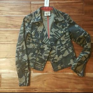Camo forever 21 jacket
