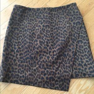 ⭐️Ann Taylor leopard print skirt⭐️