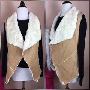 Jackets & Blazers - LOWEST PRICE❤️Faux fur vegan vest
