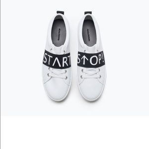 Zara Shoes - 🆕❤️❤️Zara Slogan sneakers , start & stop