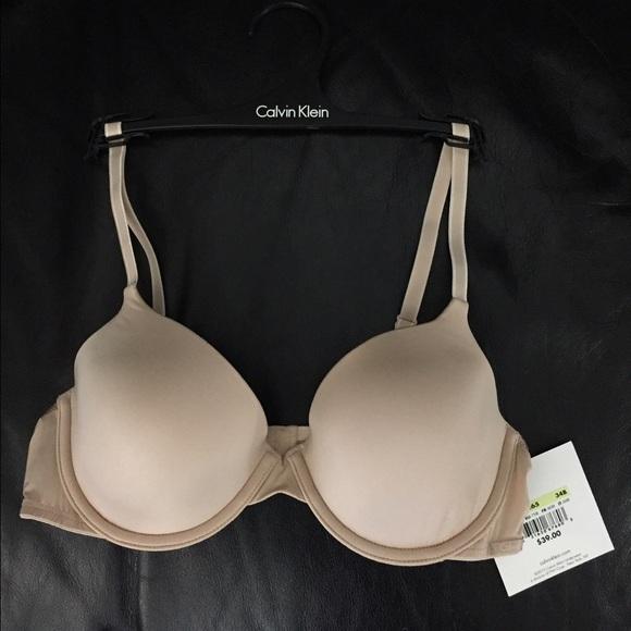 e6cb2853f8 NWT Calvin Klein Nude T-shirt Bra 34B