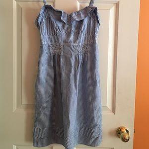 Seersucker dress with bow-tie back