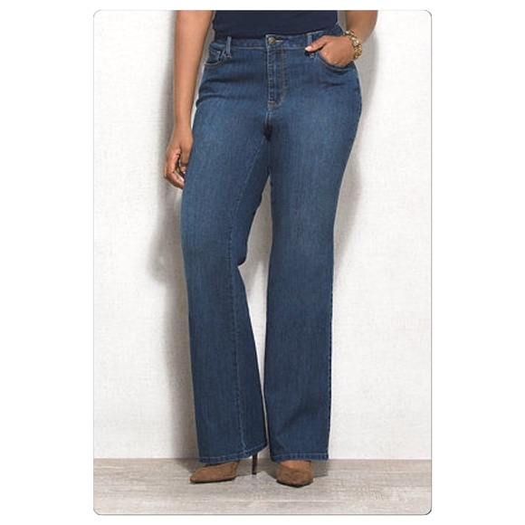 11d78b53098 Venezia plus size 3 average🔺stretch bootcut jeans