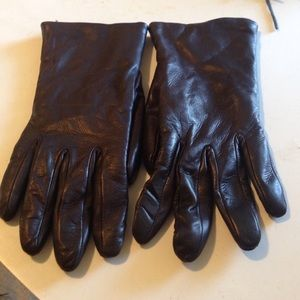 Italian made leather gloves