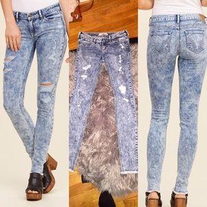 Hollister Denim - 🆕Hollister acid wash ripped skinny jeans NWOT!👖