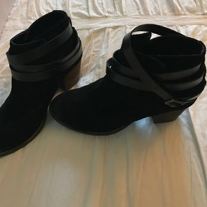 Dolce vita black suede boots size 6 beautiful!