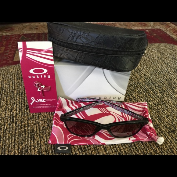oakley commit sunglasses breast cancer  oakley accessories oakley moonlighter ysc breast cancer sunglasses