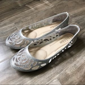 Bella Marie silver flats size 8