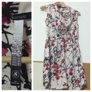Kensie floral dress sz SMALL