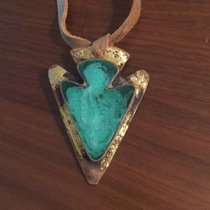 Jewelry - Turquoise patina arrowhead leather necklace