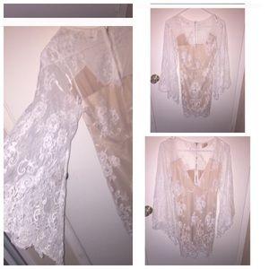 Dresses & Skirts - White flowy lace dress