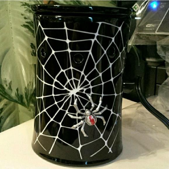 Scentsy Other Creepy Crawly Spiderweb Halloween Warmer Poshmark