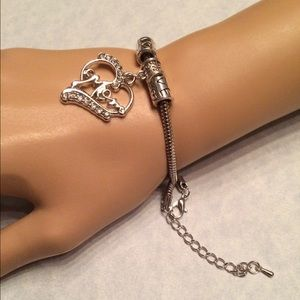 Jewelry - Crystal Mom ❤️ Heart Bracelet