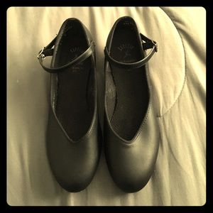 Capezio Shoes - Capezio dance shoes