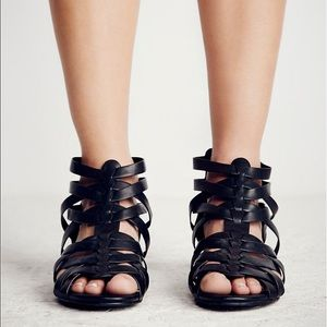 Shoes - 🎉BLOWOUT SALE🎉New Wedge Sandal