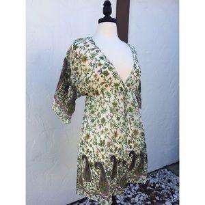 Dresses & Skirts - NWT Very Pretty Lined Floral V Neck Dress
