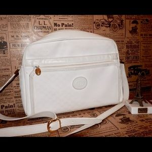 Gucci Handbags - 💓SALE!! Authentic Gucci Bag