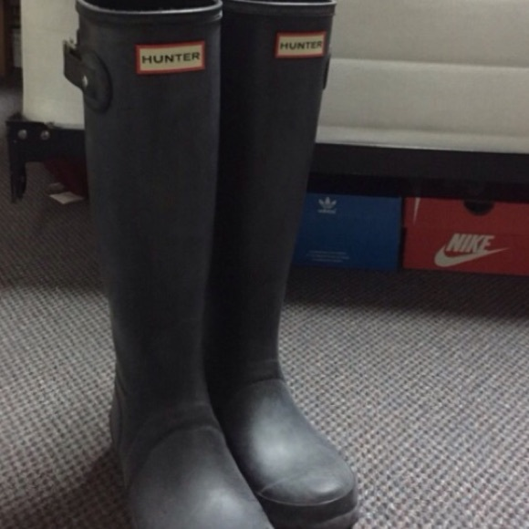 65% off Hunter Shoes - Women's Hunter boots size 6 female need ...