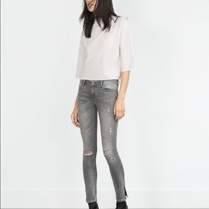 Zara mid rise wripped jeans