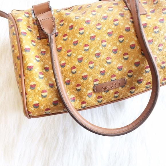 28c24d8da295 Handbags - 🚨FINAL 🚨 Vintage Style small duffle style purse