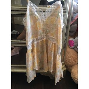 Floral/lace tank top by free people size: small