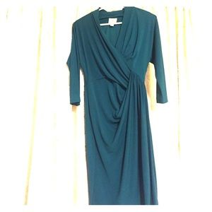 suzi chin Dresses & Skirts - Never wore Suzi Chin emerald green dress