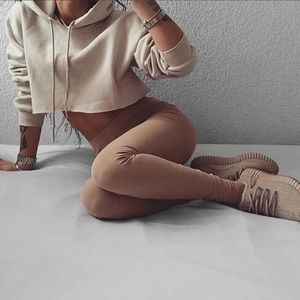 Tops - Beige short light hoodie
