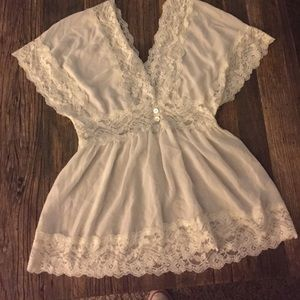 Forever 21 Tops - White lace trim shirt sleeve top