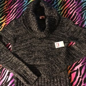💥Lei sweater NWT✨