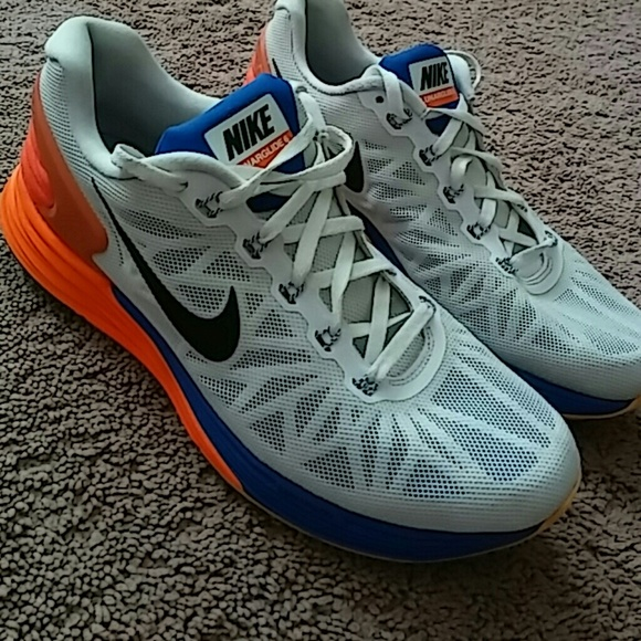 SALE Nike Lunarglide 6.SIZE 10.5 WOMEN and 8.5 MEN