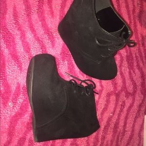 Qupid Shoes - Brand New black, Qupid Sz 7.5 tie up wedges