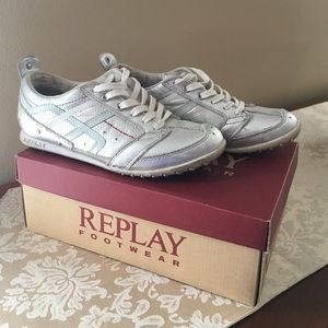 Replay Shoes - Replay Olly sneakers in silver. Size 8.5
