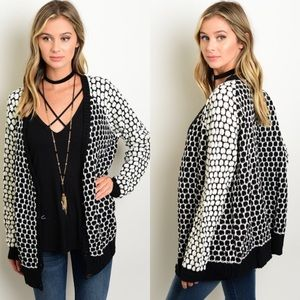 Boutique Sweaters - 🎉CLEARANCE🎉 Black & Ivory Pebble Print Cardigan
