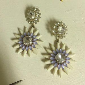 Jewelry - Statement flower drop earrings