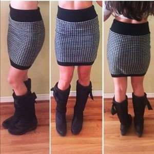 Juicy Couture Wool Skirt Size S