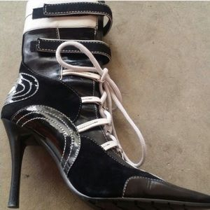 Black & White Aldo Ankle Boots White Laces Velcro