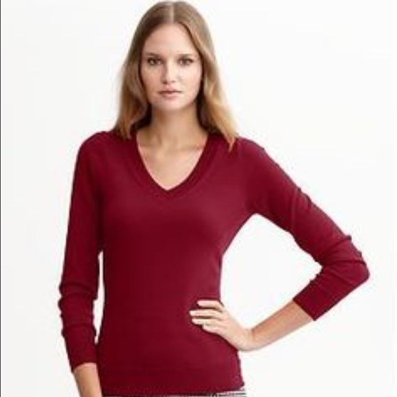 d54eea14b410 Banana Republic Sweaters - Banana Republic Merino Wool Maroon V-Neck Sweater