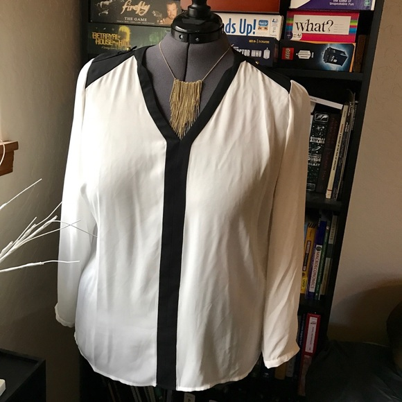 Vince Camuto Tops - White and Black Long Sleeve Vince Camuto Blouse