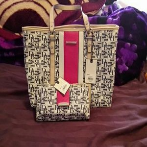 Dana Buchman Handbags - Dana Bachmann purse and Wallet