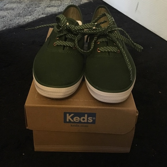 new style 58b23 1b7ff Keds army green sneakers size 6 1/2