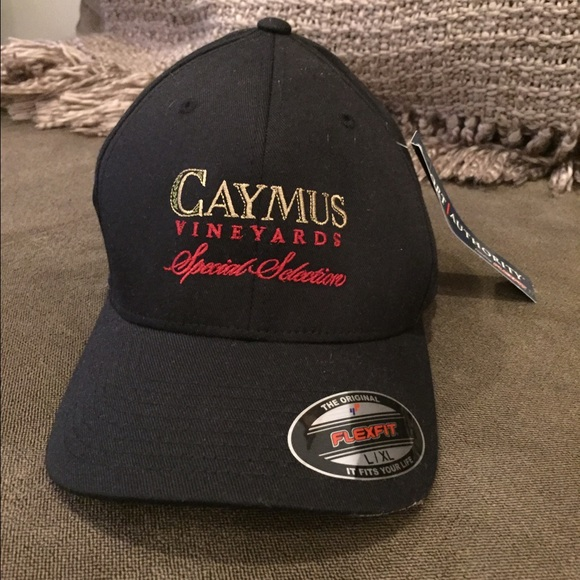 Caymus Vineyards Flexfit fitted hat NWT