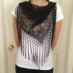 Black embroidered shawl scarf with frenges