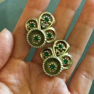 Vintage Jewelry - Vintage Green Silver Clipback Earrings
