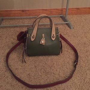 Chinese Laundry Handbags - Chinese Laundry Green and Burgundy Purse