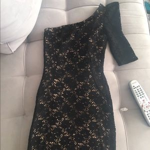 Forever 21 Dresses & Skirts - Black lace fitted bodycon mini dress